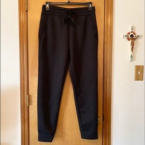 32 degrees Men's black jogger Pants. Size Small